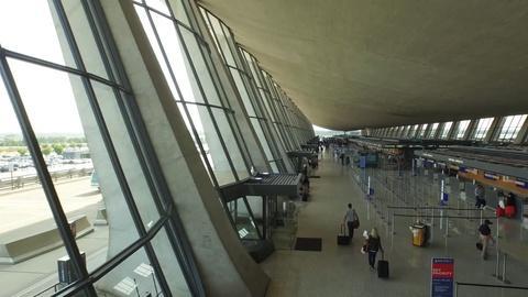 Eero Saarinen's Revolutionary Design of the Dulles Airport