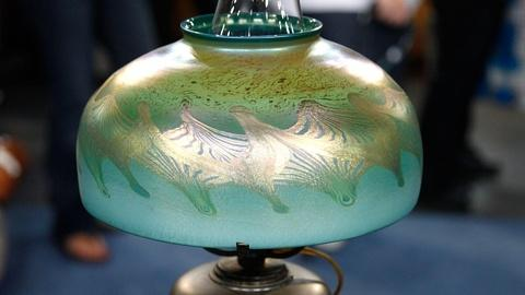 Antiques Roadshow -- S15 Ep4: Appraisal: Tiffany Favrile Glass & Bronze Table Lam