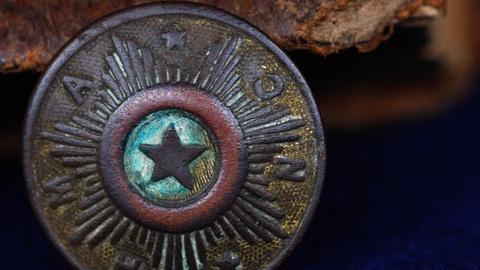 Antiques Roadshow -- S15: Appraisal: Civil War Button, Bible and Letter, ca. 1864