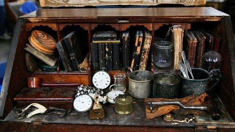 Antiques Roadshow -- S13 Ep5: Appraisal: New England Desk and Contents, ca. 1760