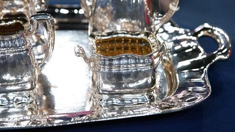 """Antiques Roadshow -- S15 Ep16: Appraisal: Gorham """"Martelé"""" Tea & Coffee service,"""