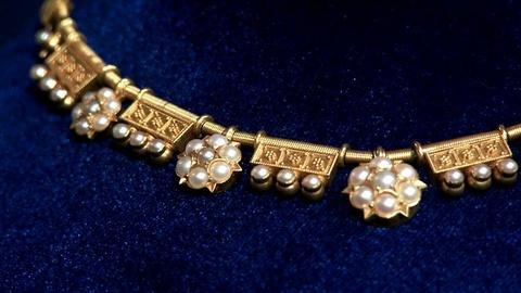 Antiques Roadshow -- S16 Ep16: Appraisal: Etruscan Revival Gold Necklace, ca. 188