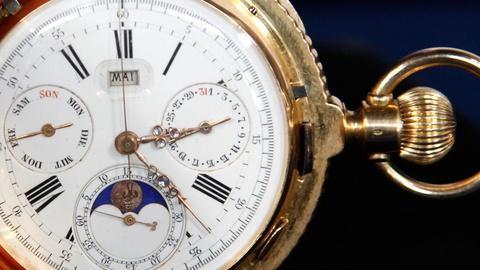 Antiques Roadshow -- S15 Ep17: Appraisal: 18K Gold Pocket Watch, ca. 1885