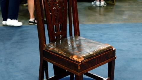 Antiques Roadshow -- S16 Ep16: Appraisal: Fake George Elmslie Chair