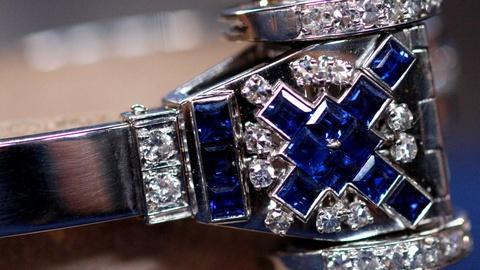 Antiques Roadshow -- S15 Ep15: Appraisal: Diamond, Sapphire & Platinum Watch, ca.