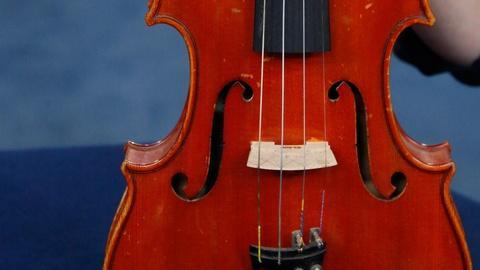 Antiques Roadshow -- S15 Ep18: Appraisal: 1952 Anders Halvarson Violin