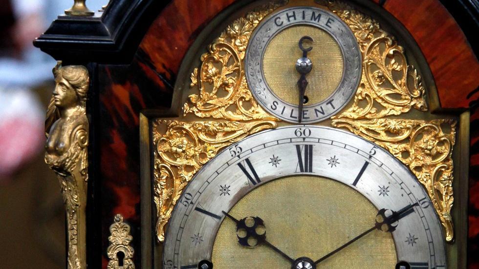 S15 Ep4: Appraisal: T. Boxell English Bracket Clock, ca. 187 image
