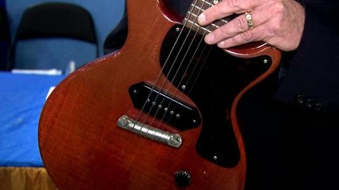 Antiques Roadshow -- Appraisal: 1960 Gibson Les Paul Guitar