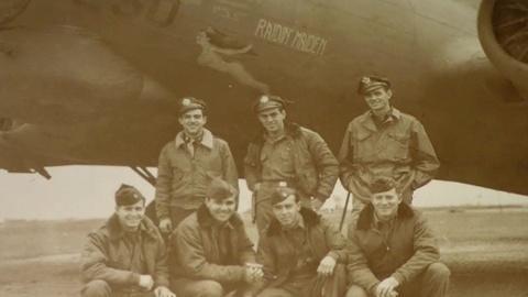 Antiques Roadshow -- S17 Ep19: Appraisal: World War II B17 Nose Art