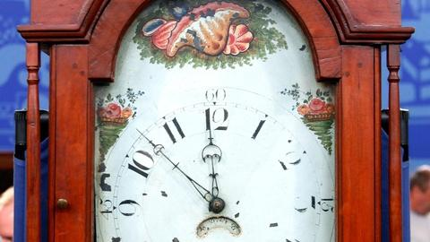 Antiques Roadshow -- S16 Ep7: Appraisal: Jacob Cope Grandfather Clock, ca. 1820