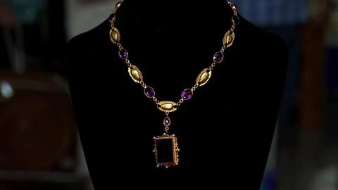 Antiques Roadshow -- S16 Ep1: Appraisal: Egyptian Revival Jewelry Set