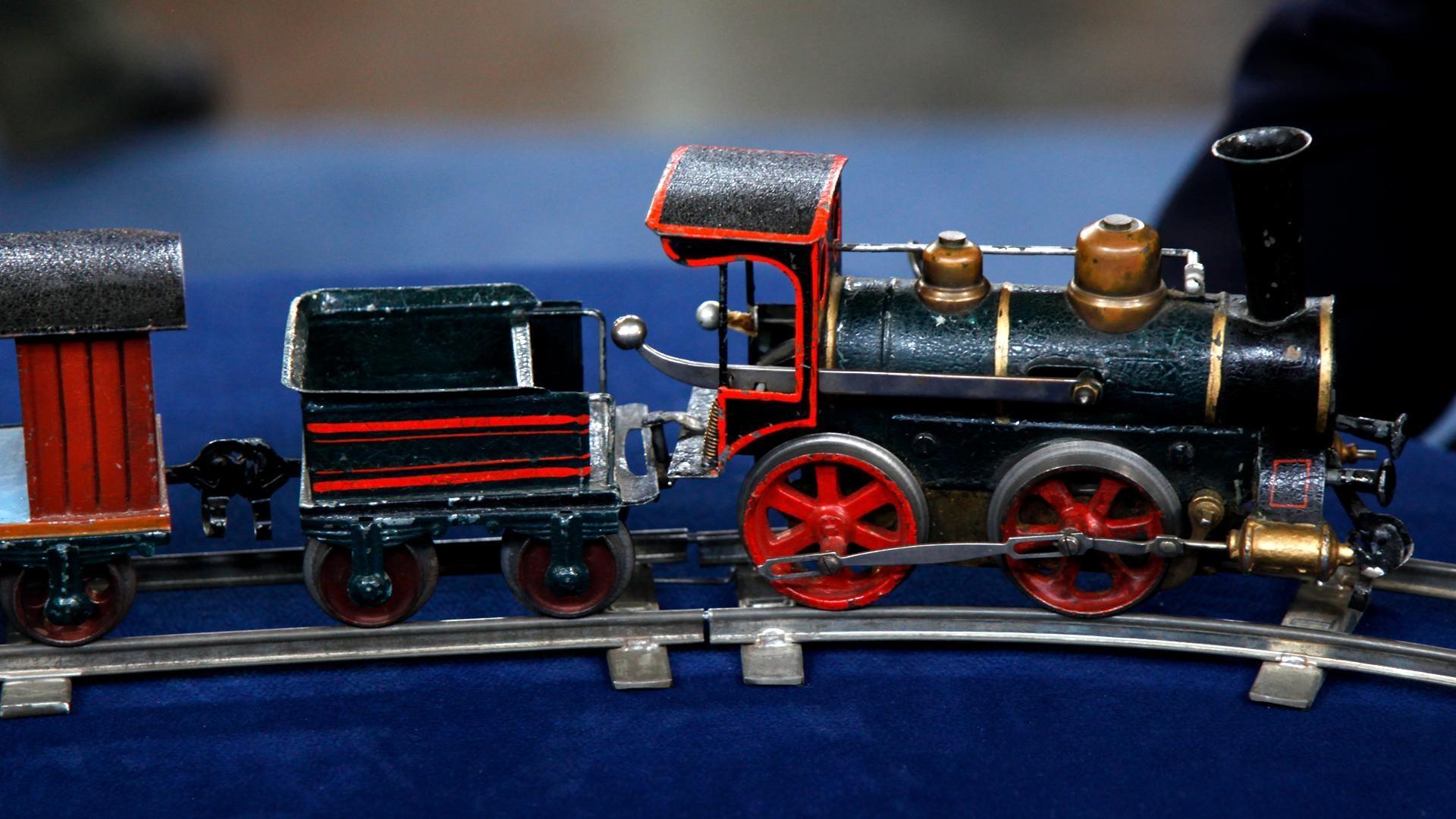 Antiques roadshow appraisal marklin gauge toy train ca