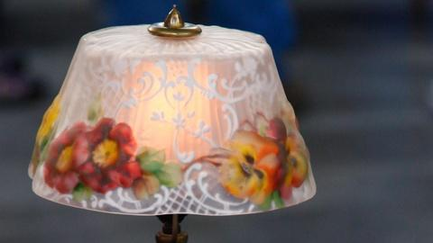 Antiques Roadshow -- S15 Ep12: Appraisal: Pairpoint Puffy Boudoir Lamp, ca. 1920