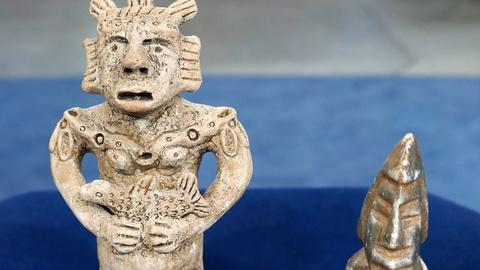 Antiques Roadshow -- S18 Ep1: Appraisal: Two Modern Mexican Figurines