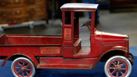 "Antiques Roadshow -- S18 Ep1: Appraisal: Buddy ""L"" Int'l Harvester Truck, ca. 192"