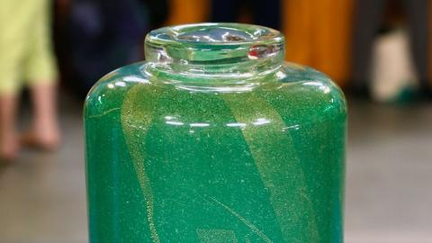 Antiques Roadshow -- S18 Ep3: Appraisal: Murano Green Glass Vase by Scarpa, ca. 1