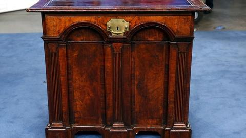 Antiques Roadshow -- S18 Ep4: Appraisal: English Architect's Desk, ca. 1730