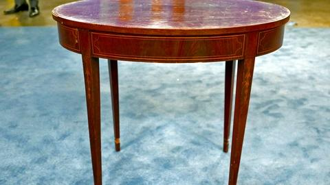 Antiques Roadshow -- S18 Ep5: Appraisal: Federal Center Table, ca. 1790