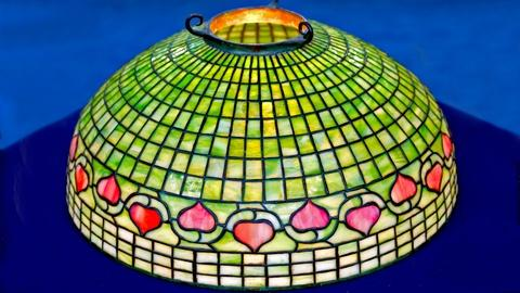 Antiques Roadshow -- S18 Ep5: Appraisal: Tiffany Studio Vine Border Lamp Shade, c