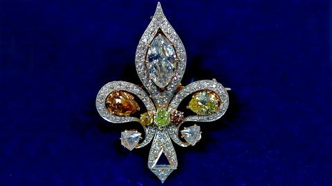 Antiques Roadshow -- S18 Ep5: Appraisal: 1900 Diamond Brooch with Drawing