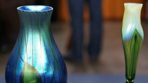 Antiques Roadshow -- Appraisal: Iridescent Tiffany Vases, ca. 1910