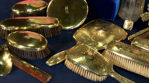 Antiques Roadshow -- S18: Web Appraisal: 14K Gold Vanity Sets, ca. 1905
