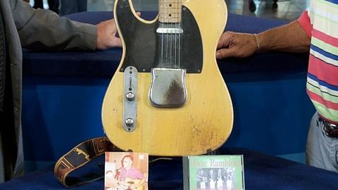 Antiques Roadshow -- S18: Web Appraisal: 1951 Left-Handed Fender Telecaster