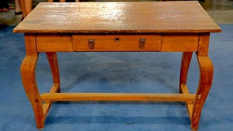 Antiques Roadshow -- S18 Ep9: Appraisal: Louisiana Work Table, ca. 1830