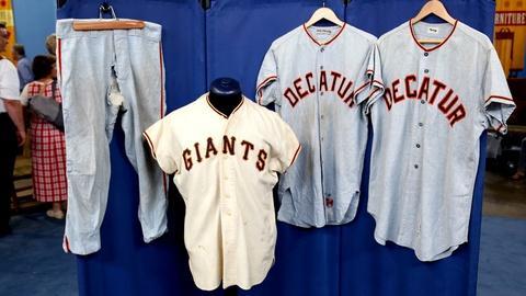 Antiques Roadshow -- S18 Ep11: Appraisal: Giants Baseball Uniforms, ca. 1965