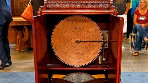 Antiques Roadshow -- S18 Ep12: Appraisal: Regina Upright Music Box, ca. 1905