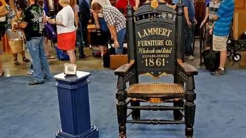 Antiques Roadshow -- S18 Ep12: Appraisal: Advertising Chair & Printing Stone, ca.