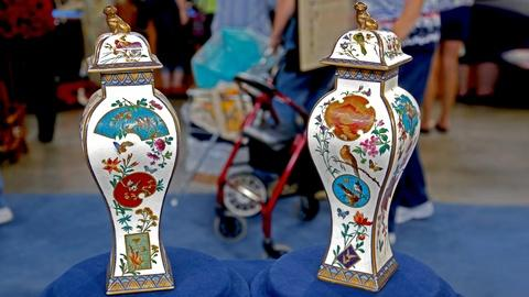 Antiques Roadshow -- S18 Ep12: Appraisal: French Porcelain Vases, ca. 1878