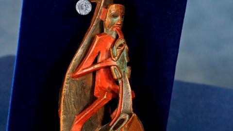Antiques Roadshow -- S18 Ep14: Appraisal: Late 19th-Century Tlingit Raven Rattle