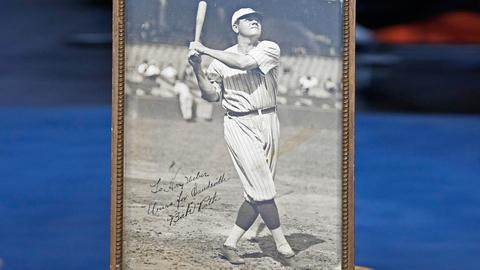 Antiques Roadshow -- S18 Ep15: Appraisal: Babe Ruth Signed Photograph, ca. 1920