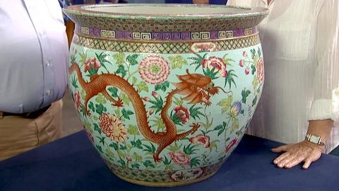 Antiques Roadshow -- S18 Ep16: Appraisal: 19th-Century Chinese Porcelain Fish Bow