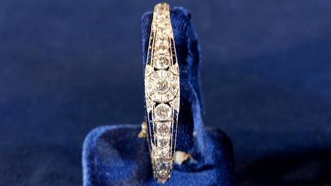 Antiques Roadshow -- S18: Web Appraisal: Art Deco Diamond, Sapphire & Platinum Je