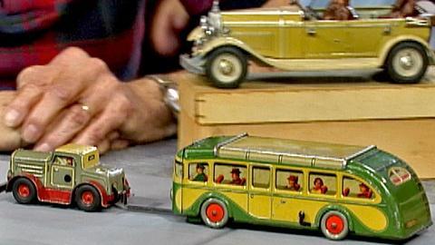 Antiques Roadshow -- S18 Ep25: Appraisal: German Toy Bus & Car, ca. 1935