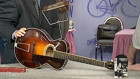 Antiques Roadshow -- S18 Ep27: Appraisal: Gibson L-3 Guitar with Harmonica