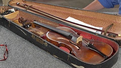 Antiques Roadshow -- S18 Ep28: Appraisal: Duiffopruggar-Style Violin