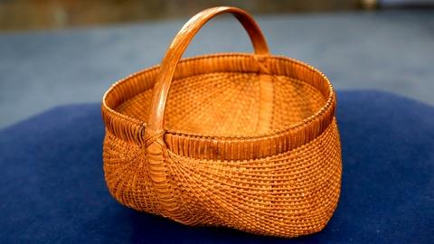 Antiques Roadshow -- S18 Ep19: Appraisal: Shelton Sisters Woven Basket, ca. 1910