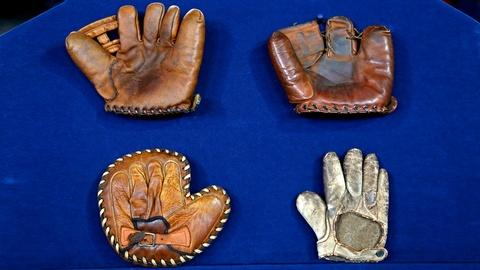 Antiques Roadshow -- S18 Ep20: Appraisal: Baseball Glove Collection