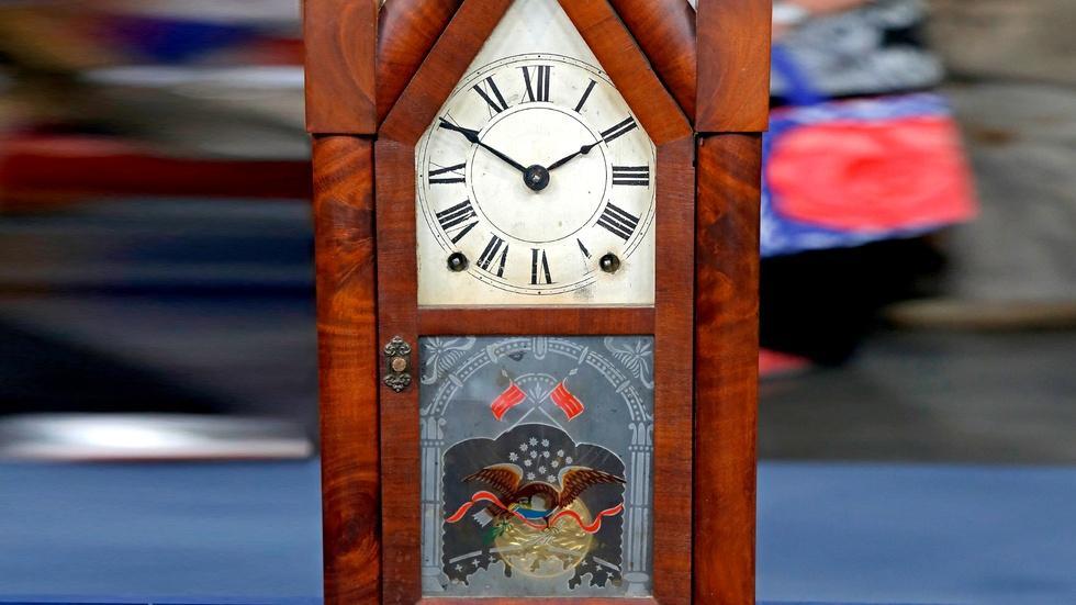 S18 Ep21: Appraisal: Terry & Andrews Steeple Clock, ca. 1845 image