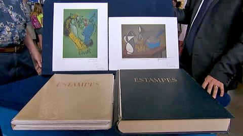 Antiques Roadshow -- S18 Ep22: Appraisal: 1950 Portfolio Book of Prints