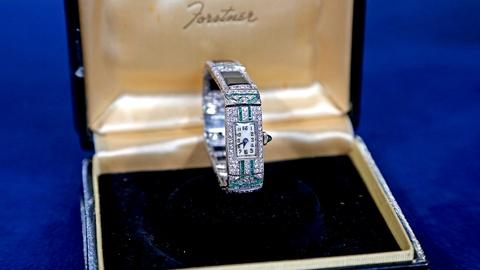 Antiques Roadshow -- S18 Ep23: Appraisal: Diamond Art Deco Bracelet Watch