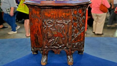 Antiques Roadshow -- Appraisal: Patriotic Pyrography Cabinet, ca. 1910