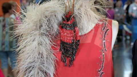 Antiques Roadshow -- S18: Web Appraisal: 1920s Beaded Flapper Dress, Boa, and Pur