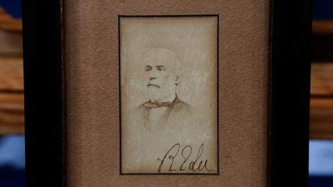 Antiques Roadshow -- S18 Ep23: Appraisal: 1865 Robert E. Lee's Map & Signed Photo
