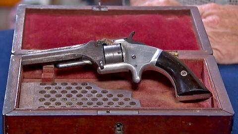 Antiques Roadshow -- S18 Ep23: Appraisal: Smith & Wesson Model #1 with Case