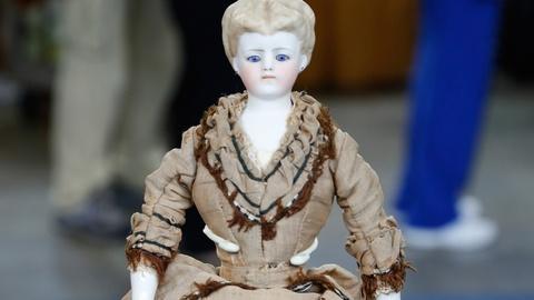 Antiques Roadshow -- S18 Ep33: Appraisal: Simon & Halbig Doll, ca. 1870