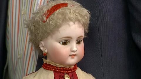 Antiques Roadshow -- S18 Ep33: Appraisal: Simon & Halbig Doll with Clothing & Box